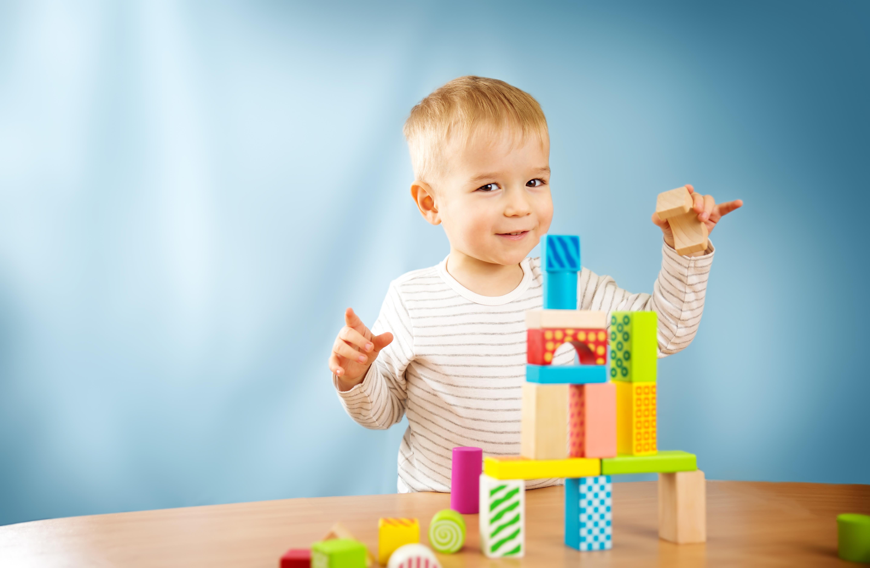 Prezent na Dzień Dziecka dla 2-latka – 6 pomysłów, które zachwycą każde dziecko