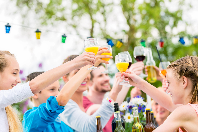 Garden party – akcesoria, które rozkręcą każdą imprezę
