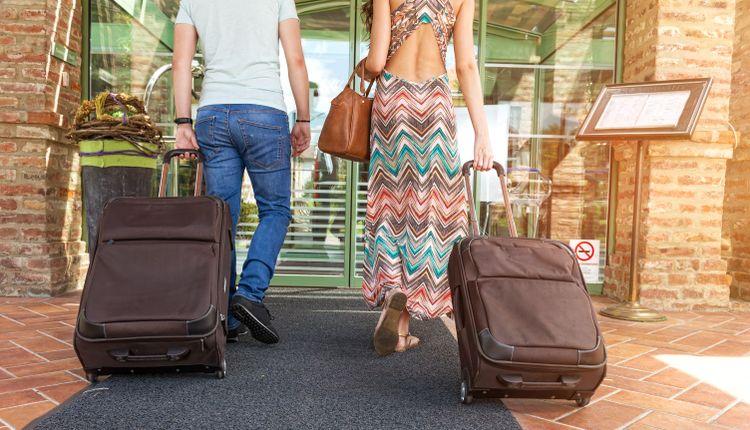 7f3510bf6ac93 Walizka podróżna – jaką wybrać? - Poradniki • Artykuły • Recenzje ...