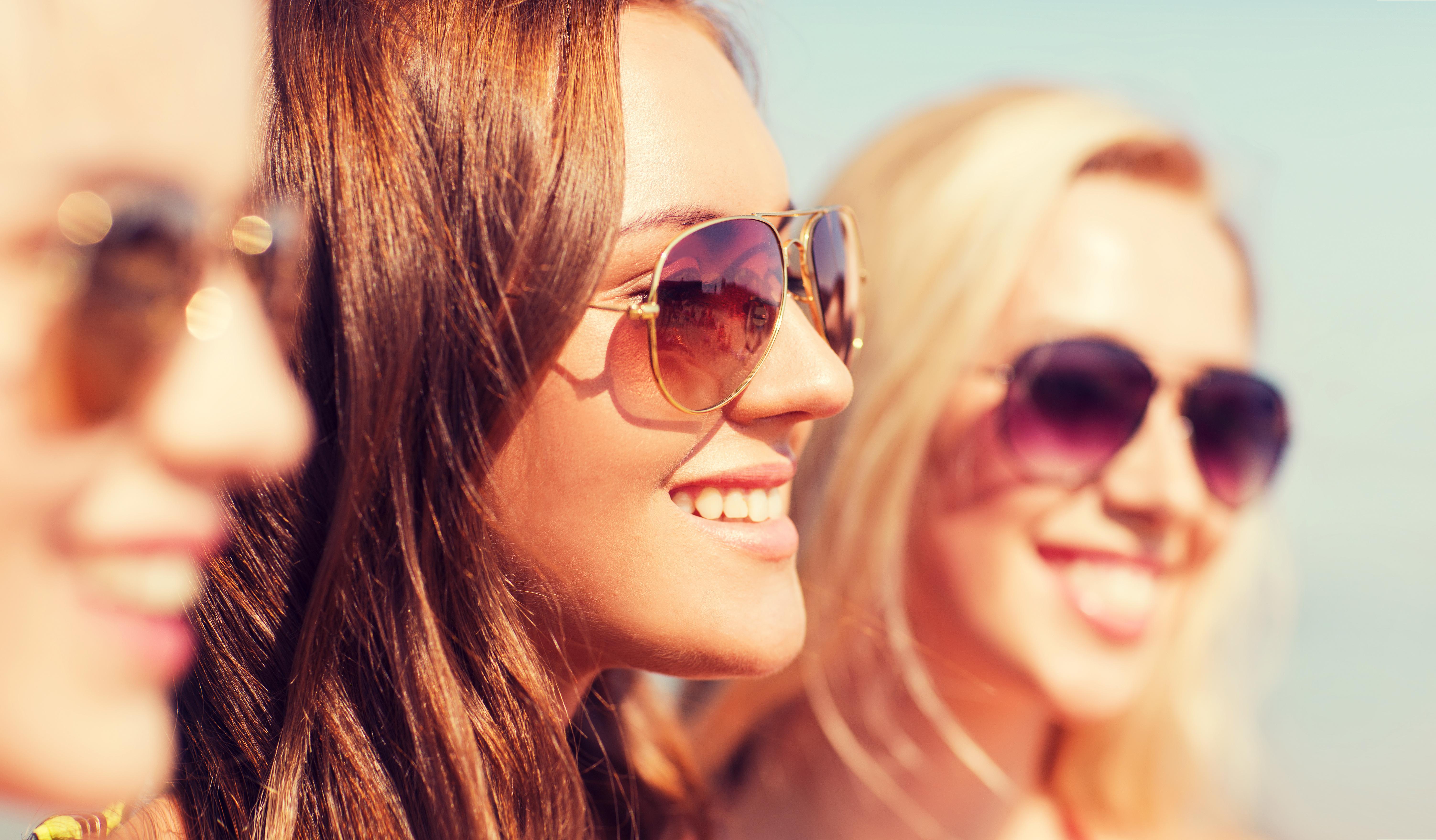 Na co zwrócić uwagę przy wyborze okularów przeciwsłonecznych?
