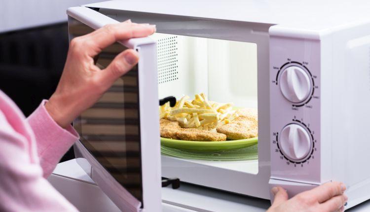 Mikrofalówka: jak wybrać kuchenkę mikrofalową?
