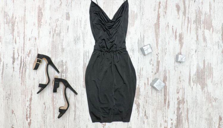 c6e7540d68 Jakie buty do czarnej sukienki  Podpowiadamy! - Poradniki • Artykuły ...