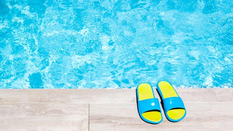 Jakie klapki na basen? Podpowiadamy!