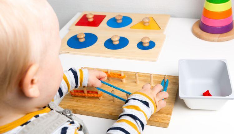 Zabawki Montessori — jak wpływają na Twoje.jpg