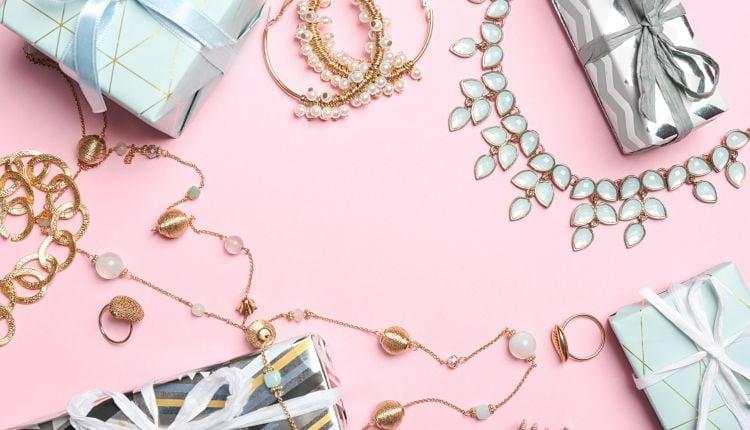Co kupić mamie na prezent 8 biżuteryjnych hitów.jpg