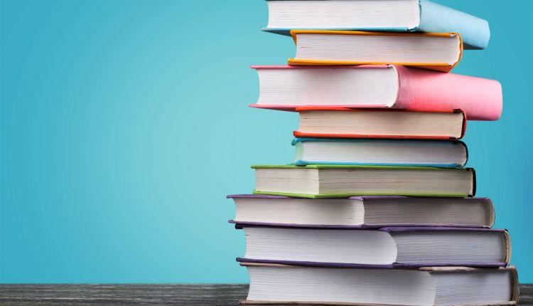16 książek, które warto mieć w domu!.jpg